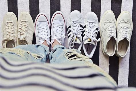 Weiße Schuhe Mit Backpulver Reinigen by Schuhe Einfach Reinigen