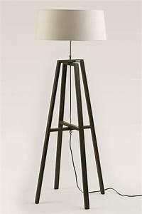 Trépied En Bois : lampe trepied bois ~ Teatrodelosmanantiales.com Idées de Décoration