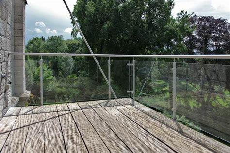 balkongeländer aus glas balkongel 228 nder aus edelstahl und sicherheits glas