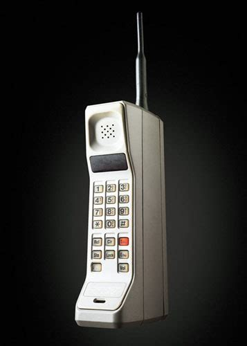 when did the cell phone come out the evolution of cell phone design between 1983 2009