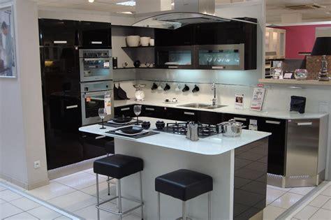 table ilot centrale cuisine cuisine moderne ilot