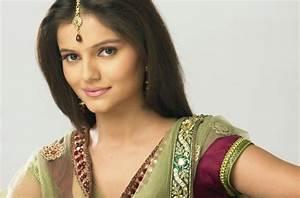 Rubina Dilaik Wiki Biography and Photos: Meet Jeannie Aur ...