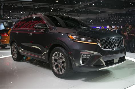 classic jeep 2019 kia sorento first look fresher and safer motor trend