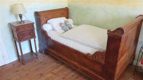 chambre familiale la rochelle lit en bois ancien myqto com