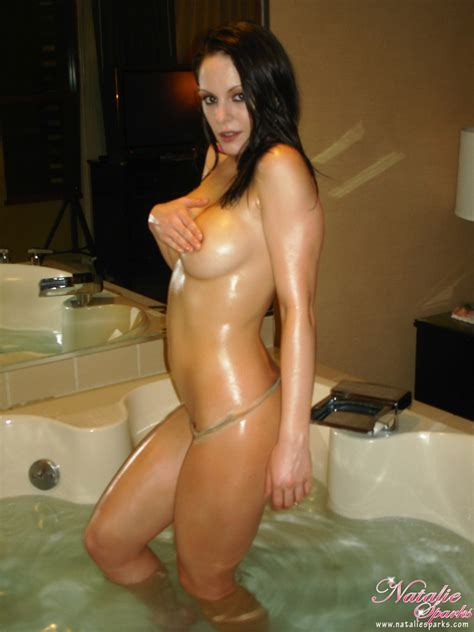 Hot Naked Girl Is All Wet In The Tub And She Sizzles XBabe