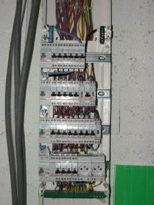 Tableau Electrique 4 Rangées : tableau electrique 4 rang es menuiserie image et conseil ~ Dailycaller-alerts.com Idées de Décoration