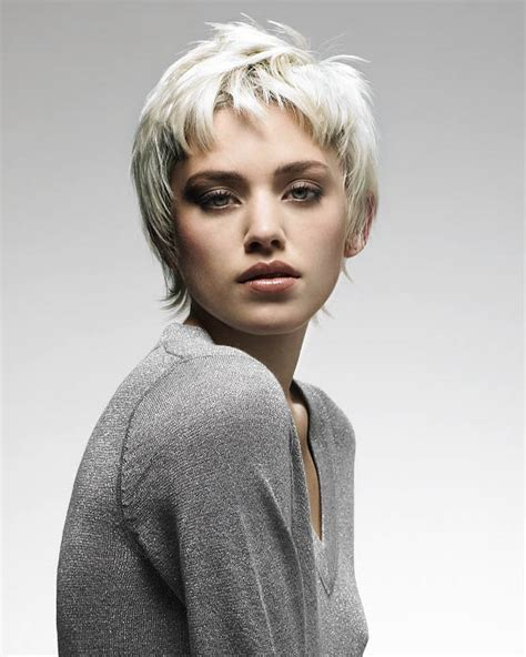Platinum Hairstyles by Wavy Platinum Hair The Trends In S