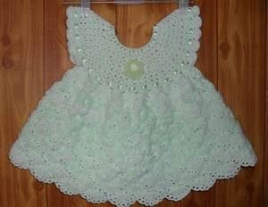 robes modeles pour bebe au crochet crochet pinterest With robe au crochet