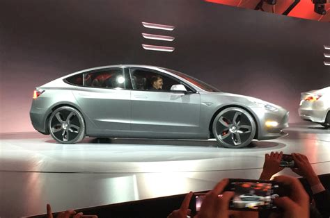 View Options On Tesla 3 Images