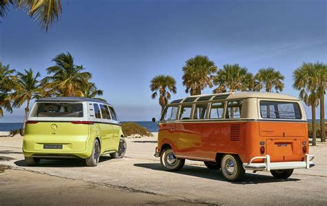 vws   driving electric van id buzz microbus esquire middle east