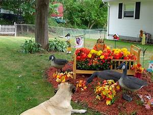 Hometalk fall garden decorations for front yard for How to decorate front yard for fall