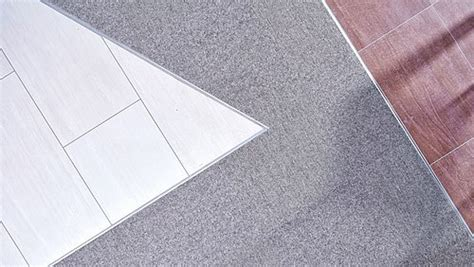 Fliesenausstellung Aalen by Materialmix Setzt Fliesenausstellung In Szene Tretford