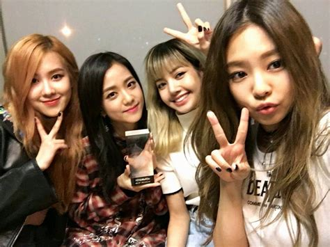 Liaksia 75 recent deviations featured: #BLACKPINK: Rookie Girl Group To Make Comeback In June ...
