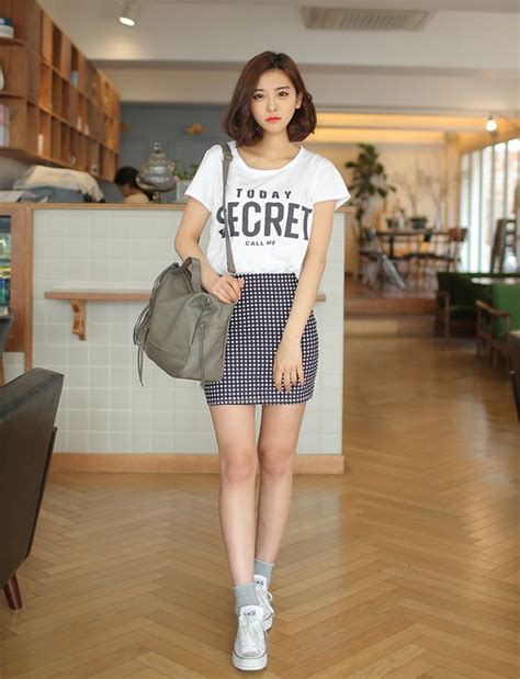 2014 Fashion Korea Black And White Plaid High Waist Simple Style Fitted Wrap Short Skirts