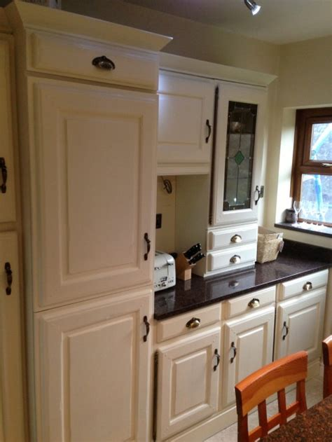 brown kitchen cabinets painting kitchen cabinets farrow and spray paint 6421