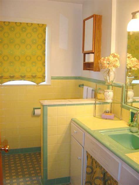 Modern Yellow Bathroom Decor by 1950s Bathroom 1950 S Yellow And Green Bath Tile Redo