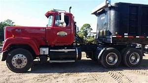Mack Superliner  1991    Daycab Semi Trucks