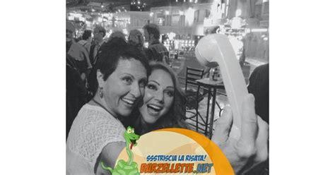 foto di donne fanno la doccia barzellette net foto donne fanno un selfie con la