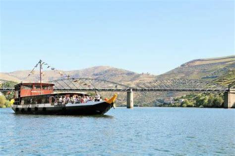 Rabelo Boat Cruise Porto by Cruise Rabelo Boat Porto R 201 Gua Porto Downstream Douro
