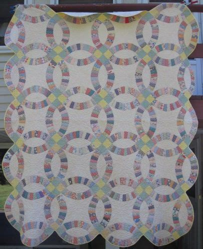 double wedding ring quilt at antiquequilts com catalog htm 17763 quilts for sale