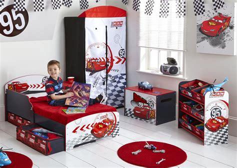 chambre cars complete le mobilier enfant cars pour de belles et douces nuits