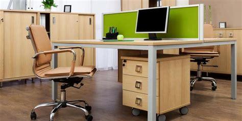 menjaga meja kerja tetap bersih merdekacom