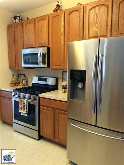 how to refresh oak kitchen cabinets antique white kitchen cabinet refresh general finishes 8861