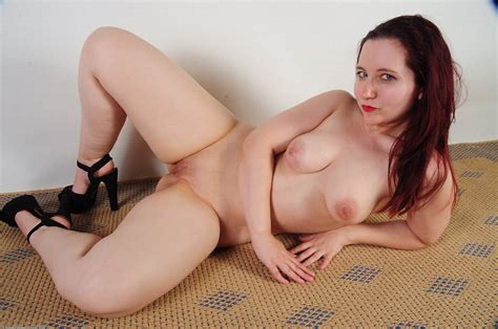 #Featured #Naked #Babe #Lily #Sincere
