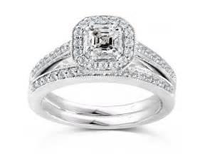 Princess Halo Wedding Ring Sets