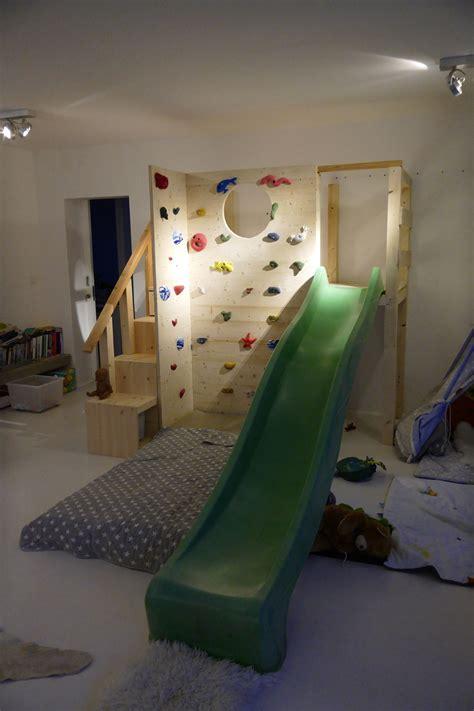 Kinderzimmer Mädchen Mit Rutsche by Ikea Trofast Regal Mit Einer Kletterwand Und Rutsche