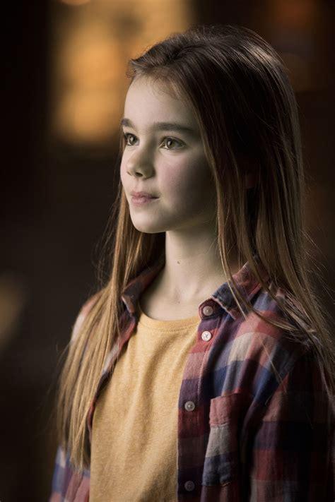 jurassic world 2018 maisie actress jurassic world fallen kingdom s ending plot twist never