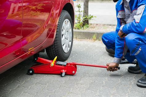 How To Use Floor Jacks And Jack Stands To Lift A Car