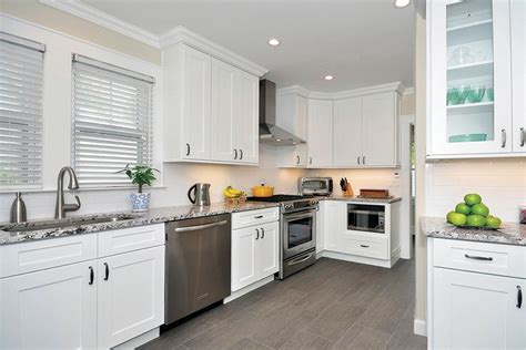 Kitchen Cabinet Doors Buffalo Ny Andover White Kitchen Cabinets Bargain Outlet