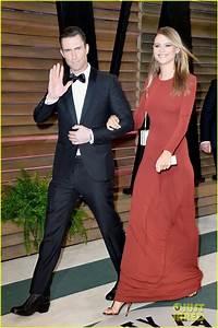 Adam Levine & Behati Prinsloo - Vanity Fair Oscars Party ...