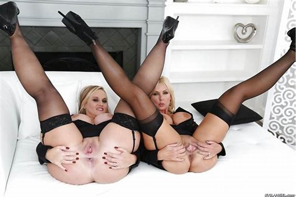 #Chubby #Blondes #Naughty #Alysha #And #Dee #Siren #Fisting #Each