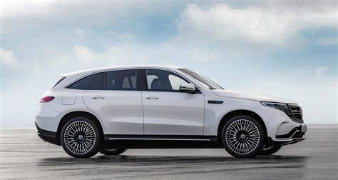 Is the mercedes eqc a good car? Mercedes-Benz EQC 400 4MATIC spotted for the first time, WATCH IT HERE - Drivers Magazine