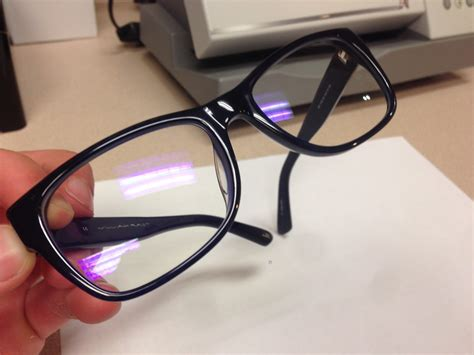 blue light lens coating everything to know about blue light and crizal prevencia