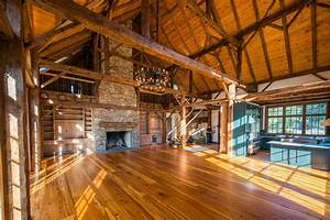Photo : Custom Land Design Images 10 Luxe Log Cabins To
