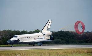 File:Space Shuttle Discovery Landing after STS-124.jpg ...