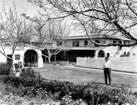 tracy 39 s home building spencer tracy standing in front of his 12 acre spread in