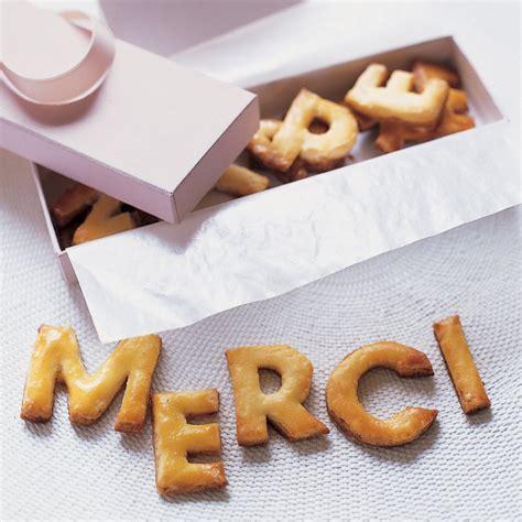 des lettres biscuits pour dire merci