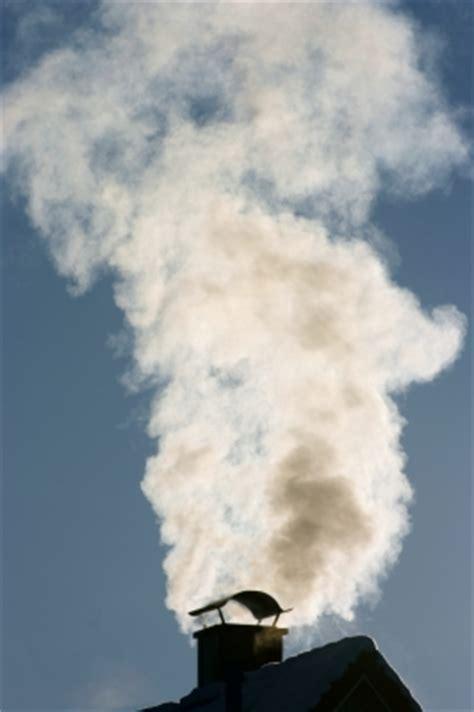 schornsteinfeger wie oft wie oft kommt der schornsteinfeger im jahr bei kamin 246 fen oder heizkesseln