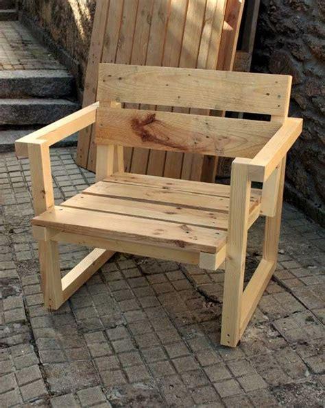 muebles reciclados 17 best images about sillas bancos o bancas de palets