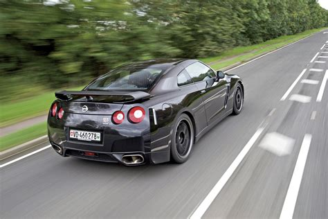Nissan Gt R Specv Driven First Drives Auto Express