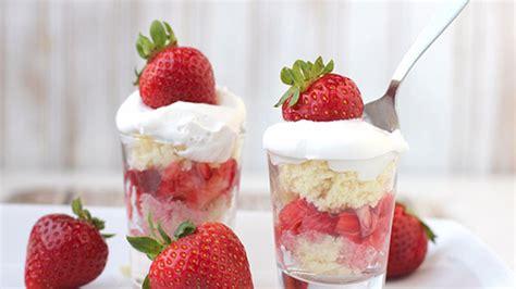 Strawberry Shortcake Shooters Recipe   Tablespoon.com