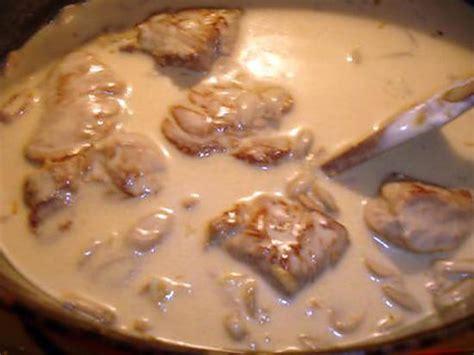 cuisiner le filet mignon de porc en cocotte recette de filet mignon a la moutarde et muscat