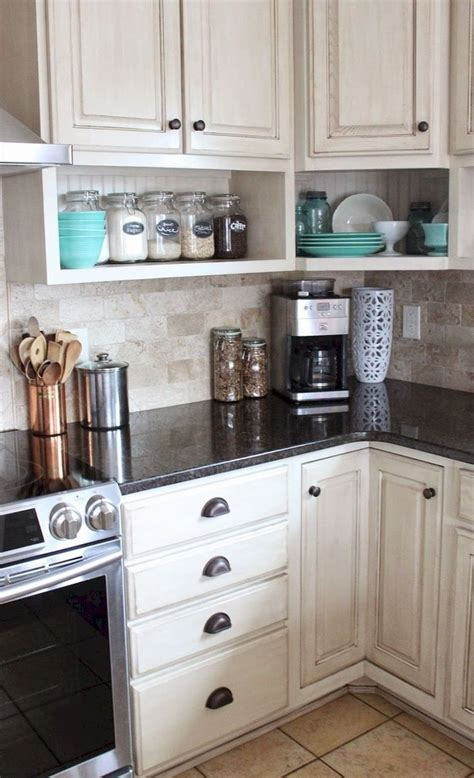 cabinets for small kitchen best 25 small kitchen remodeling ideas on 5079