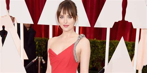 How to Get Dakota Johnson s Gorgeous Oscars Makeup