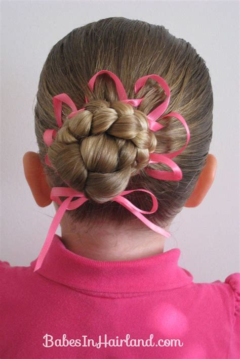 As easter is quickly approaching, i looked for inspiration by browsing through countless tutorials for easter hairdos. Easter Hairstyles for Kids - Cute Easter Hairstyles