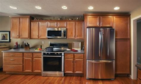 maple cabinets saginaw estate saginaw the vanderburgh vintage maple adds a touch of class to any